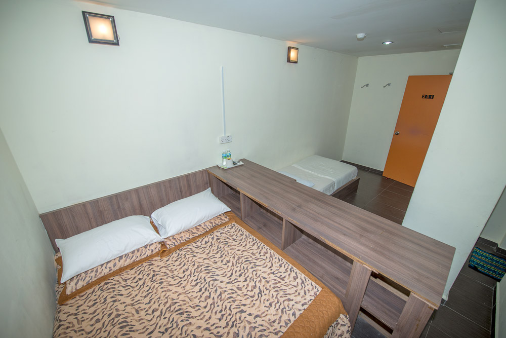 Family Room One Queen Single Beds